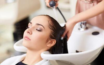 [Balikpapan] 1x Hair Creambath + Wash + Blow Style / Variasi + Manicure