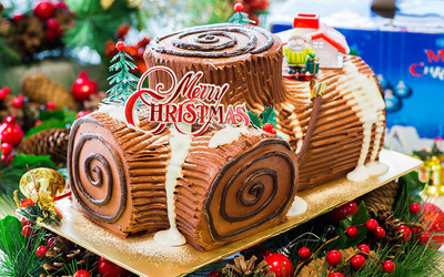 1.2kg Christmas Chocolate Log Cake