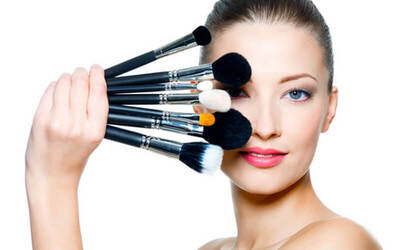 3 Hours Private Self Makeup Class + Free Certificate