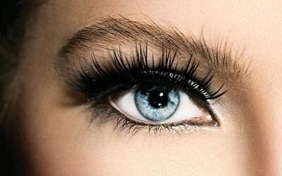 Natural Eyelash Extensions + Mascara Wand