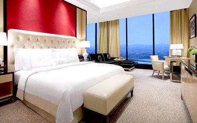 The Trans Luxury Hotel Bandung: 2D1N in Premier Room (Room Only)