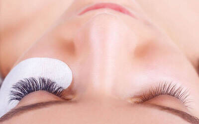 200-Piece Eyelash Extension with Eyebrow Shaping for 1 Person