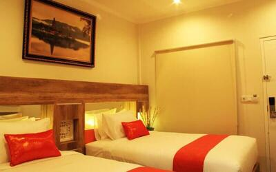 Kuta: 3D2N in Deluxe Room + Breakfast + 1x Light Meal + Return Airport Transfer