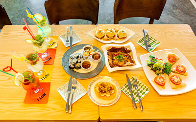 Korean Set Meal with Drinks for 4 People