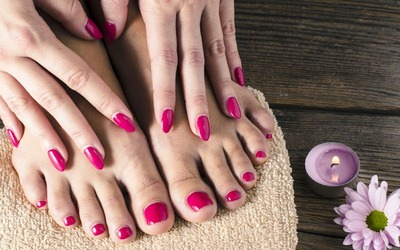 1.5-Hour Gelish Manicure / Pedicure + Full Set Nail Art for 1 Person