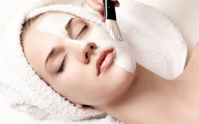 1.5-Hour Deep Hydration Facial for 1 Person