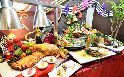 New Year's Eve Dinner Buffet for 2 People