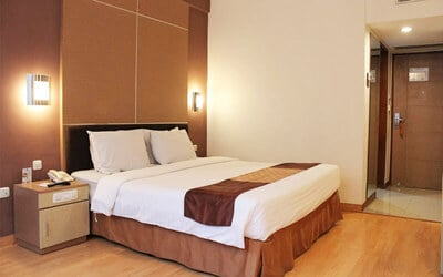 Grand Inna Tunjungan: 2D1N in Superior Room + Breakfast